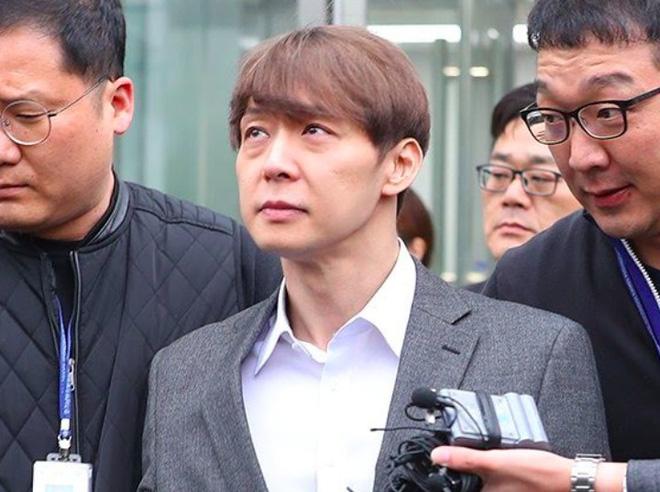 5 diễn viên tanh bành sự nghiệp vì bê bối đời tư: Ji Soo bạo lực học đường chưa bằng phốt liên hoàn của Trịnh Sảng - Ảnh 13.