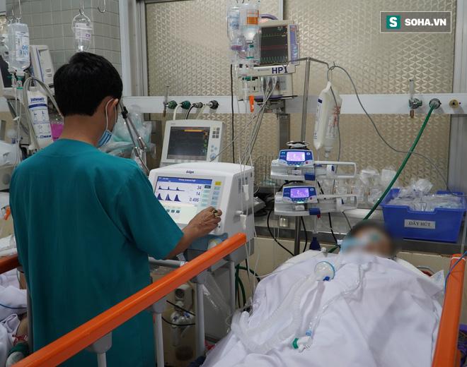 Hơn 2 giờ sinh tử cứu sống bệnh nhân ngưng tim vì bị dao đâm xuyên ngực - Ảnh 1.