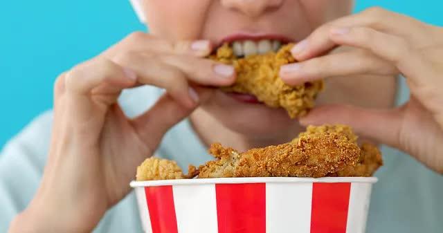 Tại sao ăn kiêng rồi vẫn không thể giảm cân: Đây chính là nút thắt sai lầm khiến bạn tăng cân trở lại - Ảnh 4.