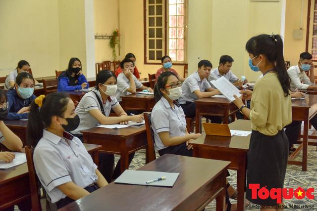 Bộ GDĐT vẫn giữ nguyên kế hoạch tổ chức kỳ thi tốt nghiệp THPT năm 2021  - Ảnh 1.
