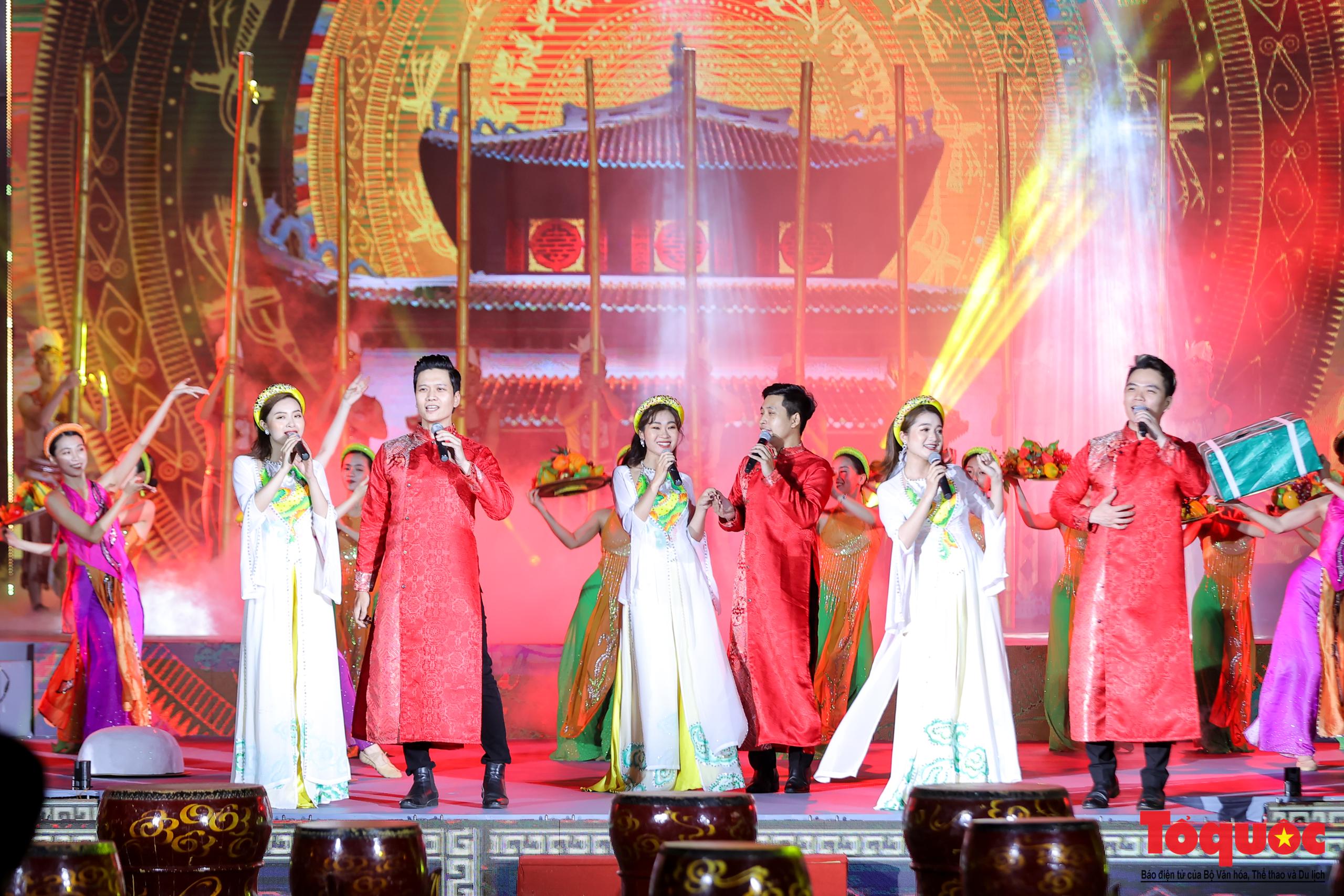 """(Chùm ảnh) Chương trình nghệ thuật đặc sắc """"Văn hoá các dân tộc – Hội tụ và phát triển"""" chào mừng Ngày Văn hoá các dân tộc Việt Nam 2021 - Ảnh 7."""