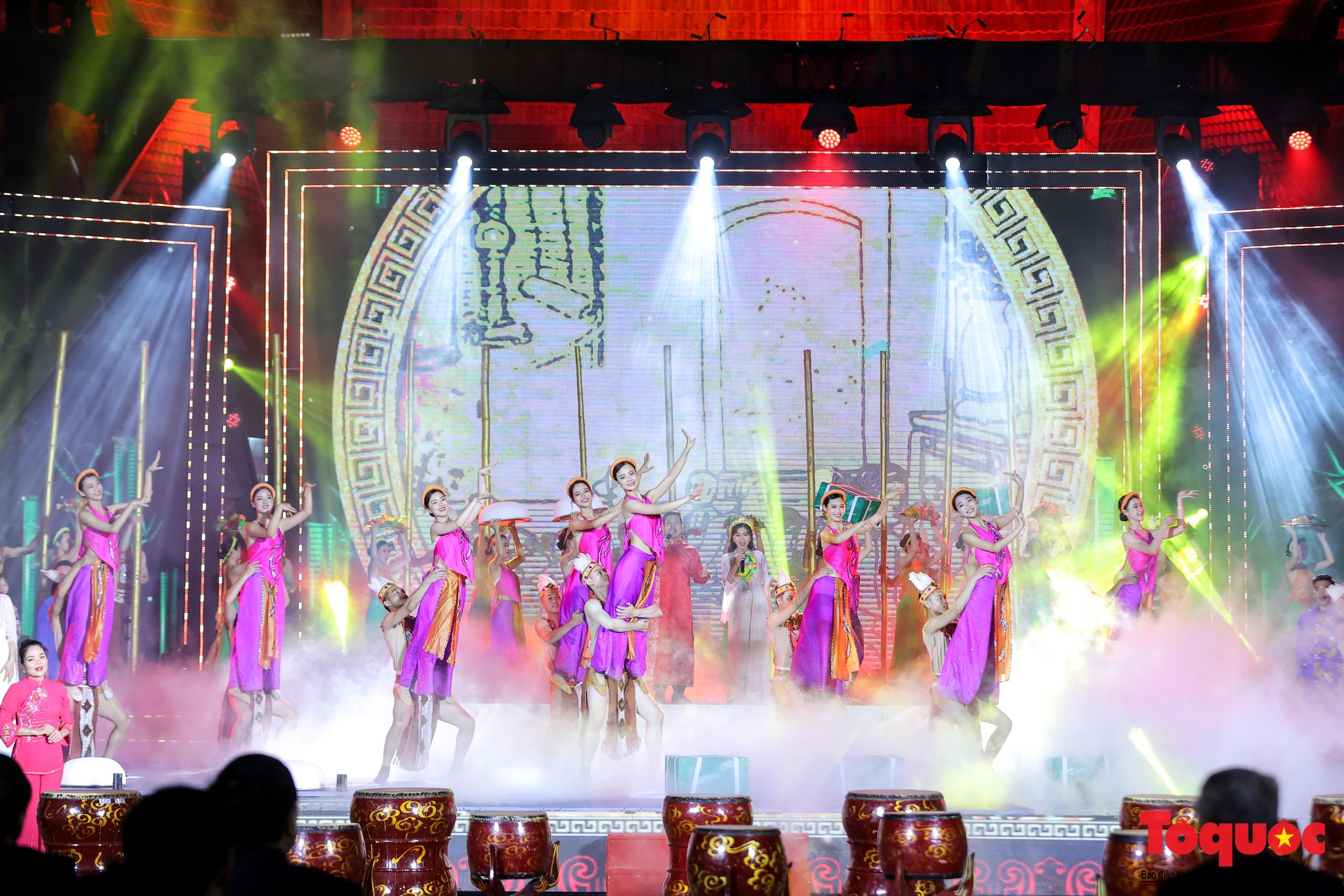 """(Chùm ảnh) Chương trình nghệ thuật đặc sắc """"Văn hoá các dân tộc – Hội tụ và phát triển"""" chào mừng Ngày Văn hoá các dân tộc Việt Nam 2021 - Ảnh 6."""