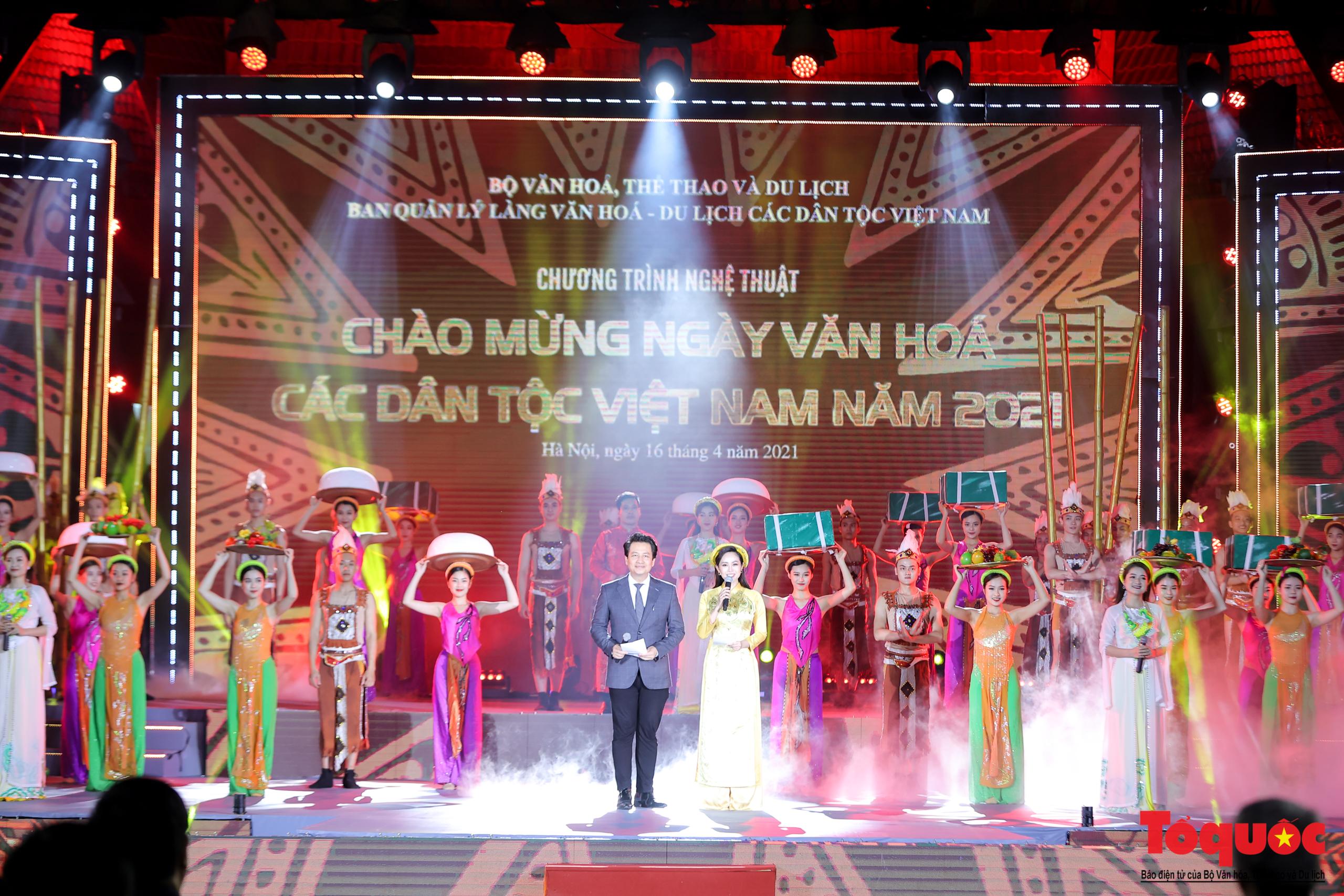 """(Chùm ảnh) Chương trình nghệ thuật đặc sắc """"Văn hoá các dân tộc – Hội tụ và phát triển"""" chào mừng Ngày Văn hoá các dân tộc Việt Nam 2021 - Ảnh 1."""