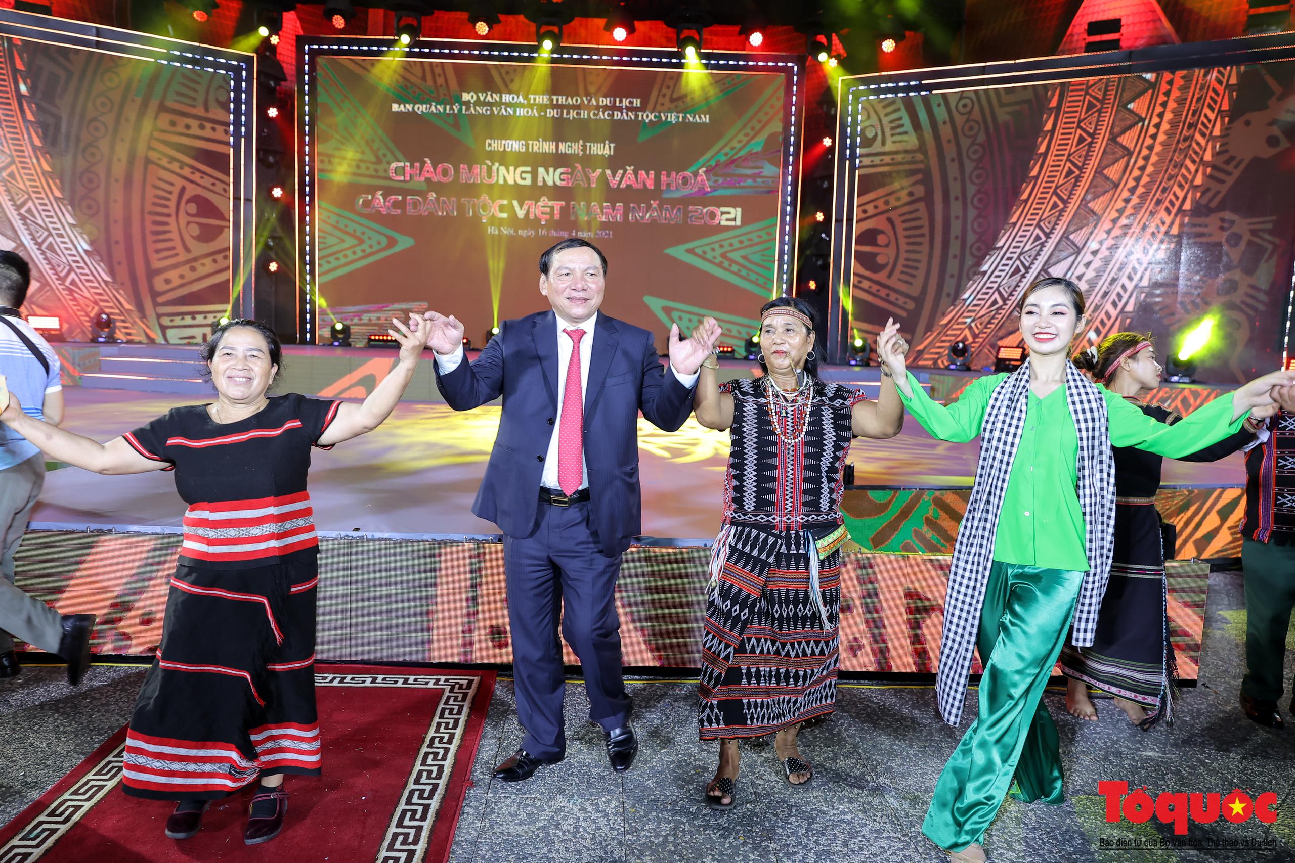 """Chùm ảnh: Chương trình nghệ thuật đặc sắc """"Văn hoá các dân tộc – Hội tụ và phát triển"""" chào mừng Ngày Văn hoá các dân tộc Việt Nam 2021 - Ảnh 12."""
