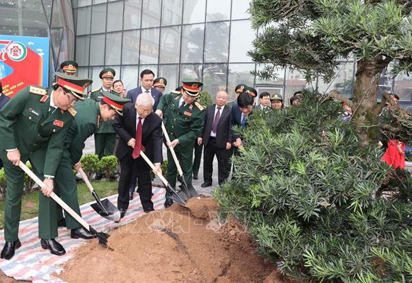 Tổng Bí thư Nguyễn Phú Trọng dự lễ kỷ niệm 70 năm Ngày Truyền thống Bệnh viện Trung ương Quân đội 108 - Ảnh 2.
