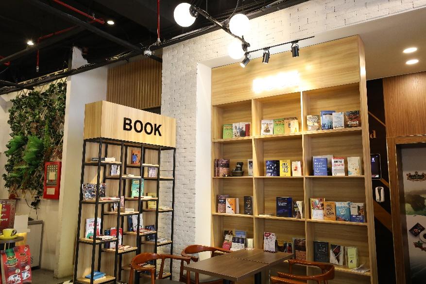 King Coffee Võ Văn Tần, cửa hàng cà phê sách sang-xịn-mịn team thích check-in không thể bỏ qua - Ảnh 3.