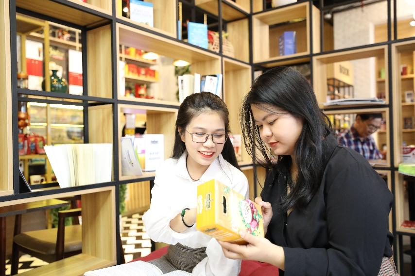 King Coffee Võ Văn Tần, cửa hàng cà phê sách sang-xịn-mịn team thích check-in không thể bỏ qua - Ảnh 5.