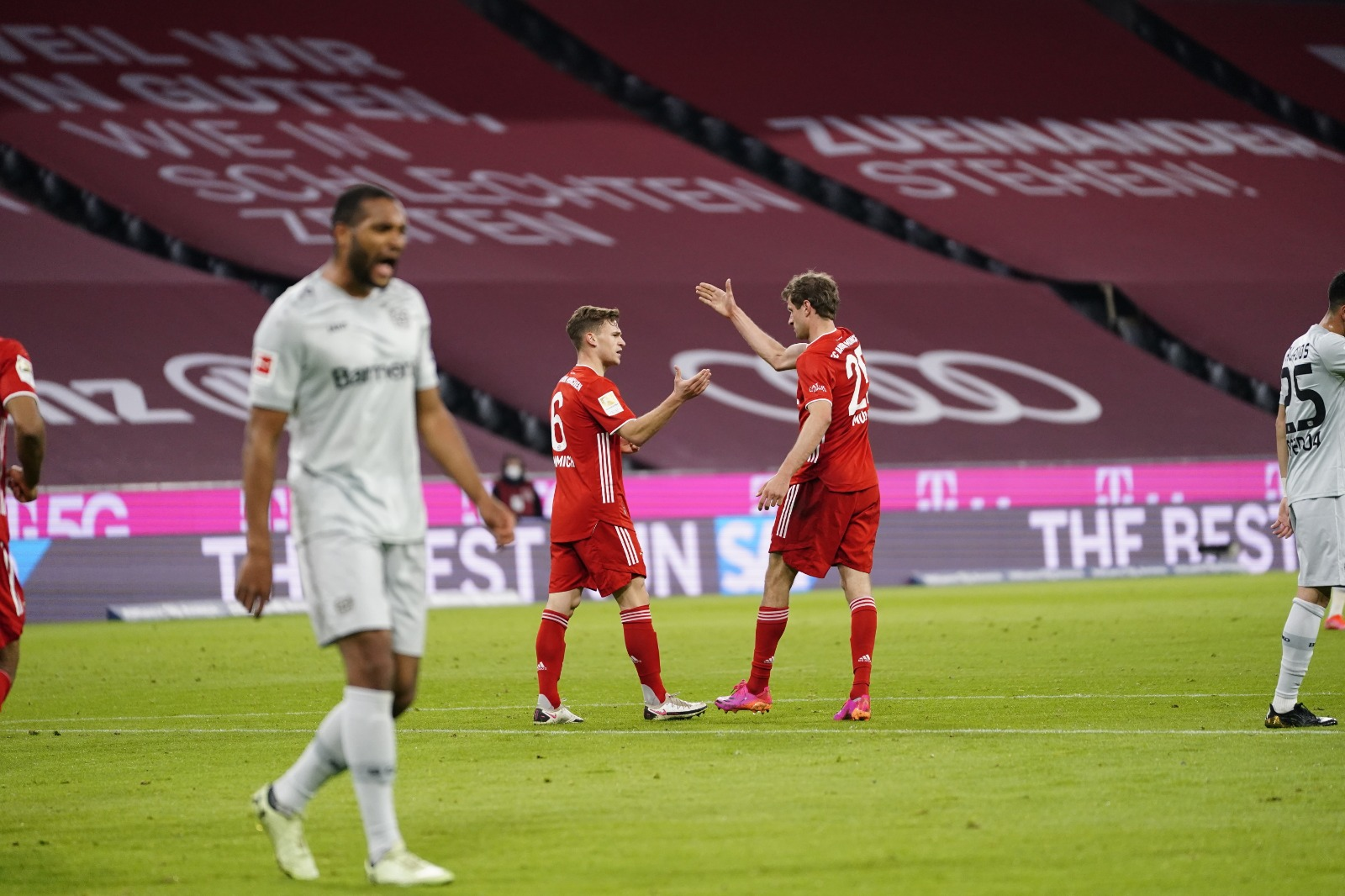 Bayern Munich băng băng về đích ở Bundesliga - Ảnh 7.