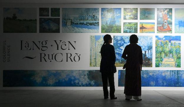 """""""Ngoài"""" và """"trong"""" ở triển lãm của Claude Monet và Pierre Bonnaer tại VCCA - Ảnh 1."""