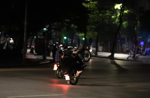 """Cảnh sát giao thông toàn quốc tăng cường dẹp nạn """"quái xế"""" - Ảnh 1."""