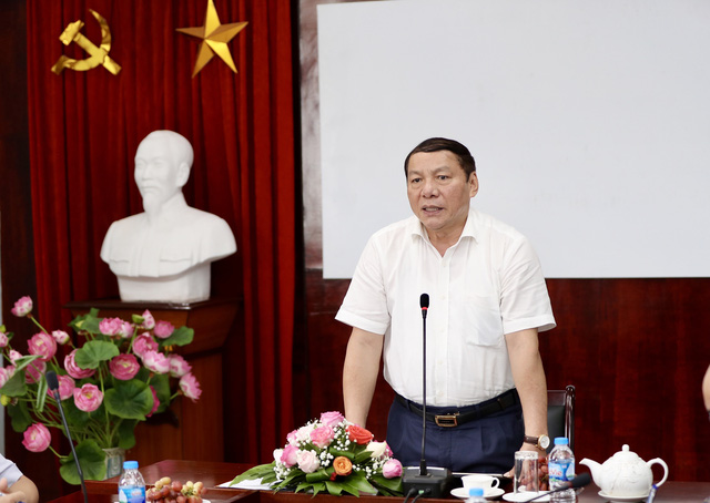 Phê chuẩn bổ nhiệm ông Nguyễn Văn Hùng giữ chức Bộ trưởng Bộ Văn hóa, Thể thao và Du lịch - Ảnh 1.