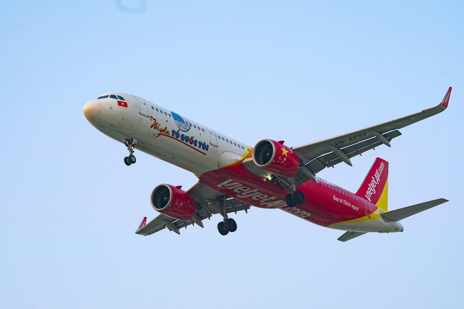 Hành trình đặc biệt mừng ngày Thống nhất đất nước 30/4 trên tàu bay Vietjet - Ảnh 5.