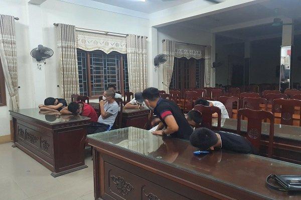 Phát hiện nhóm thanh niên tụ tập trong quán Karaoke sử dụng ma túy bất chấp dịch Covid-19 - Ảnh 1.
