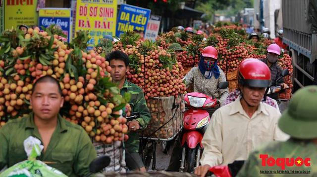 Bắc Giang đề nghị hỗ trợ lưu thông hàng hóa, tiêu thụ nông sản - Ảnh 1.