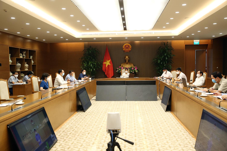 Phó Thủ tướng Vũ Đức Đam: Muốn đưa nhà máy, KCN trở lại hoạt động từng phần thì phải linh hoạt hơn - Ảnh 2.