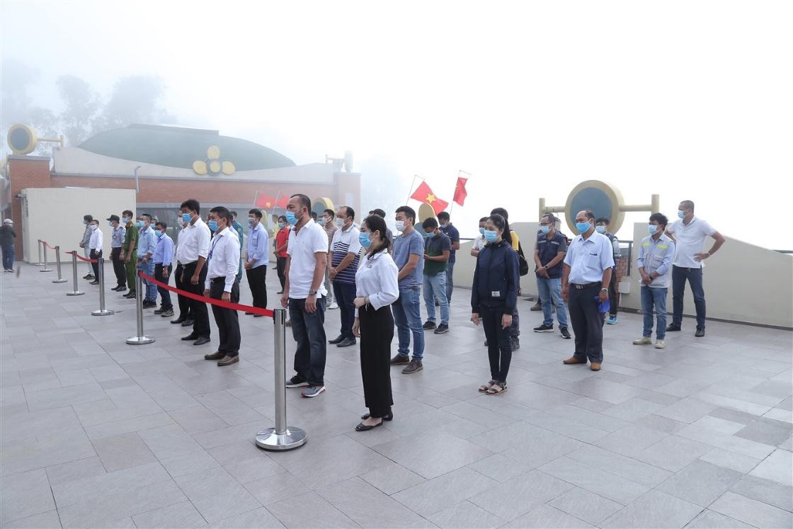 Gần 700 cử tri đi bầu cử tại đỉnh núi Bà Đen Tây Ninh - Ảnh 1.