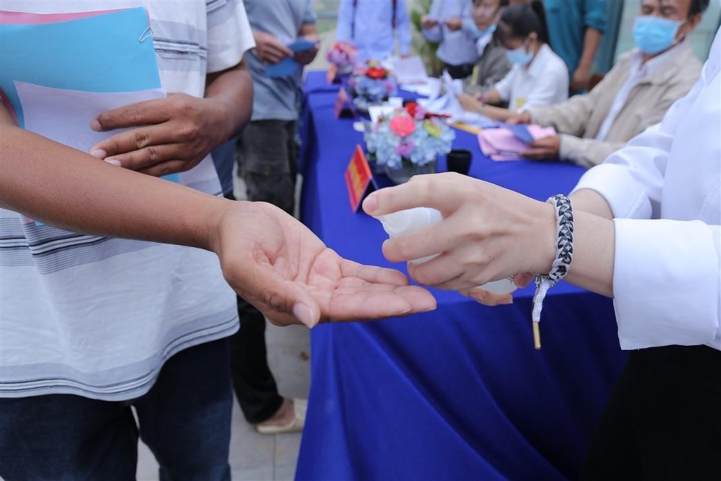 Gần 700 cử tri đi bầu cử tại đỉnh núi Bà Đen Tây Ninh - Ảnh 5.