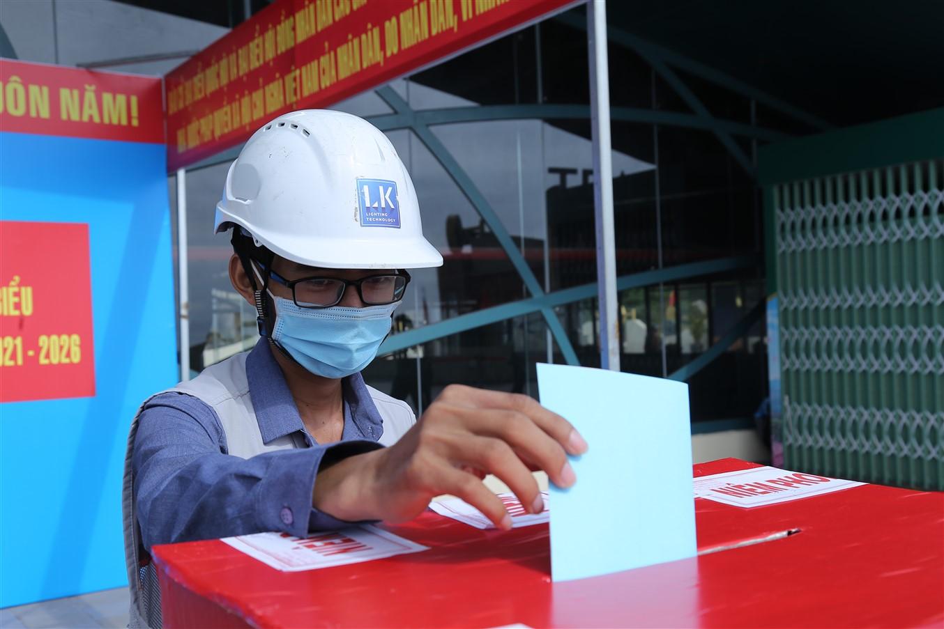 Gần 700 cử tri đi bầu cử tại đỉnh núi Bà Đen Tây Ninh - Ảnh 10.