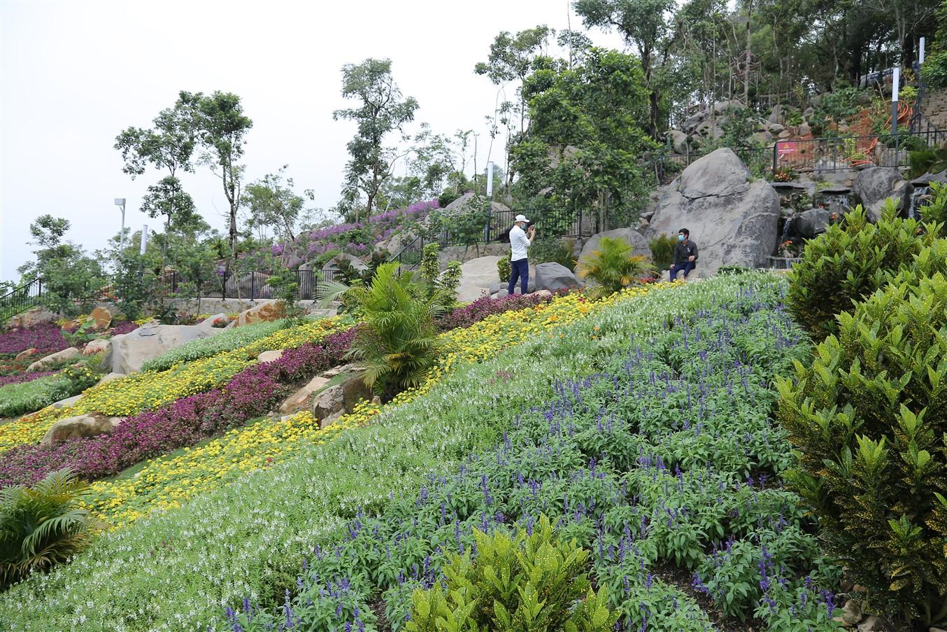 Gần 700 cử tri đi bầu cử tại đỉnh núi Bà Đen Tây Ninh - Ảnh 11.