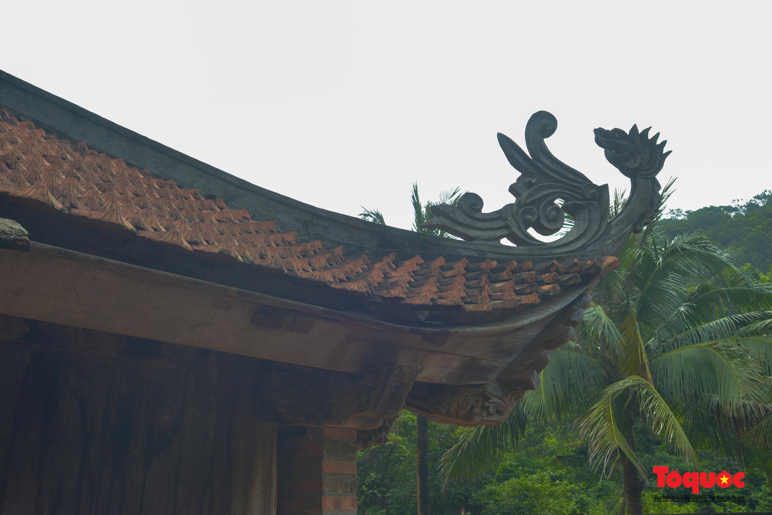 Khám phá ngôi chùa 800 tuổi giữa trùng khơi biển cả - Ảnh 9.