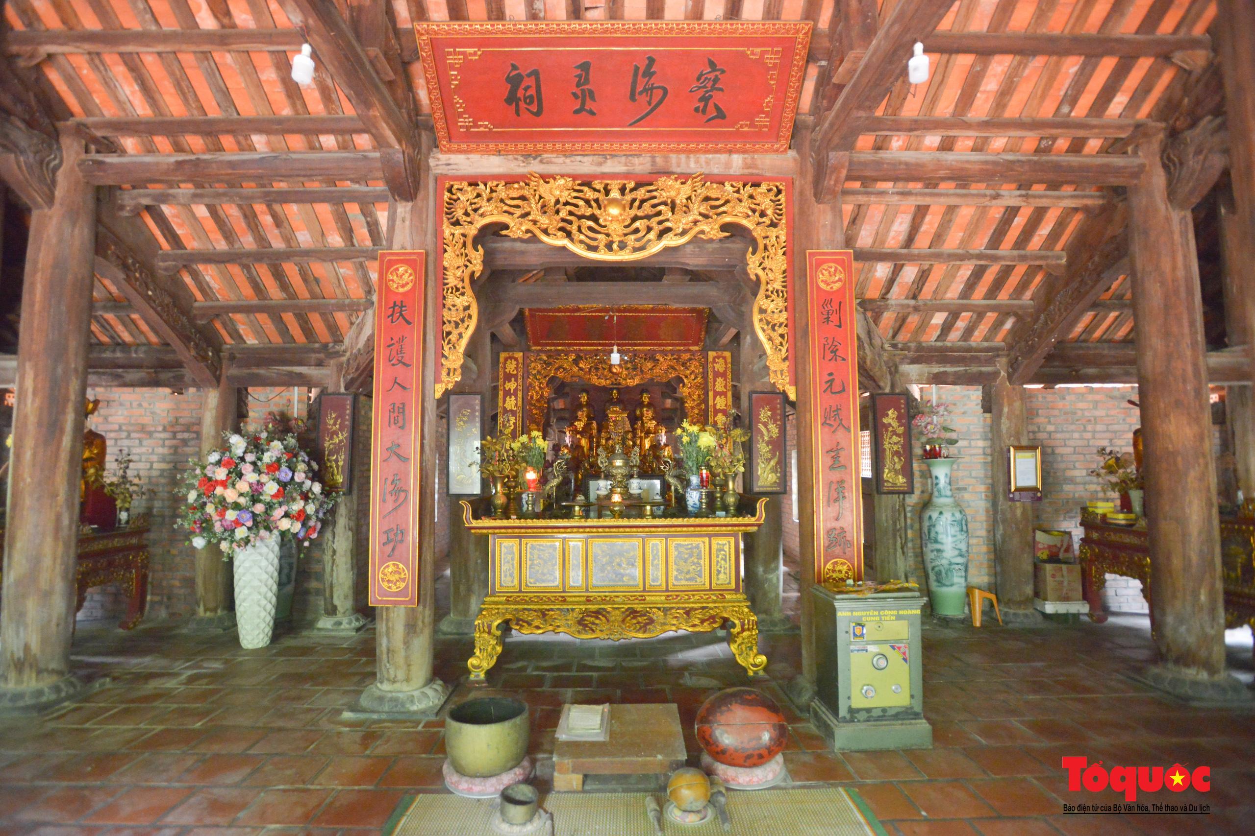 Khám phá ngôi chùa 800 tuổi giữa trùng khơi biển cả - Ảnh 8.