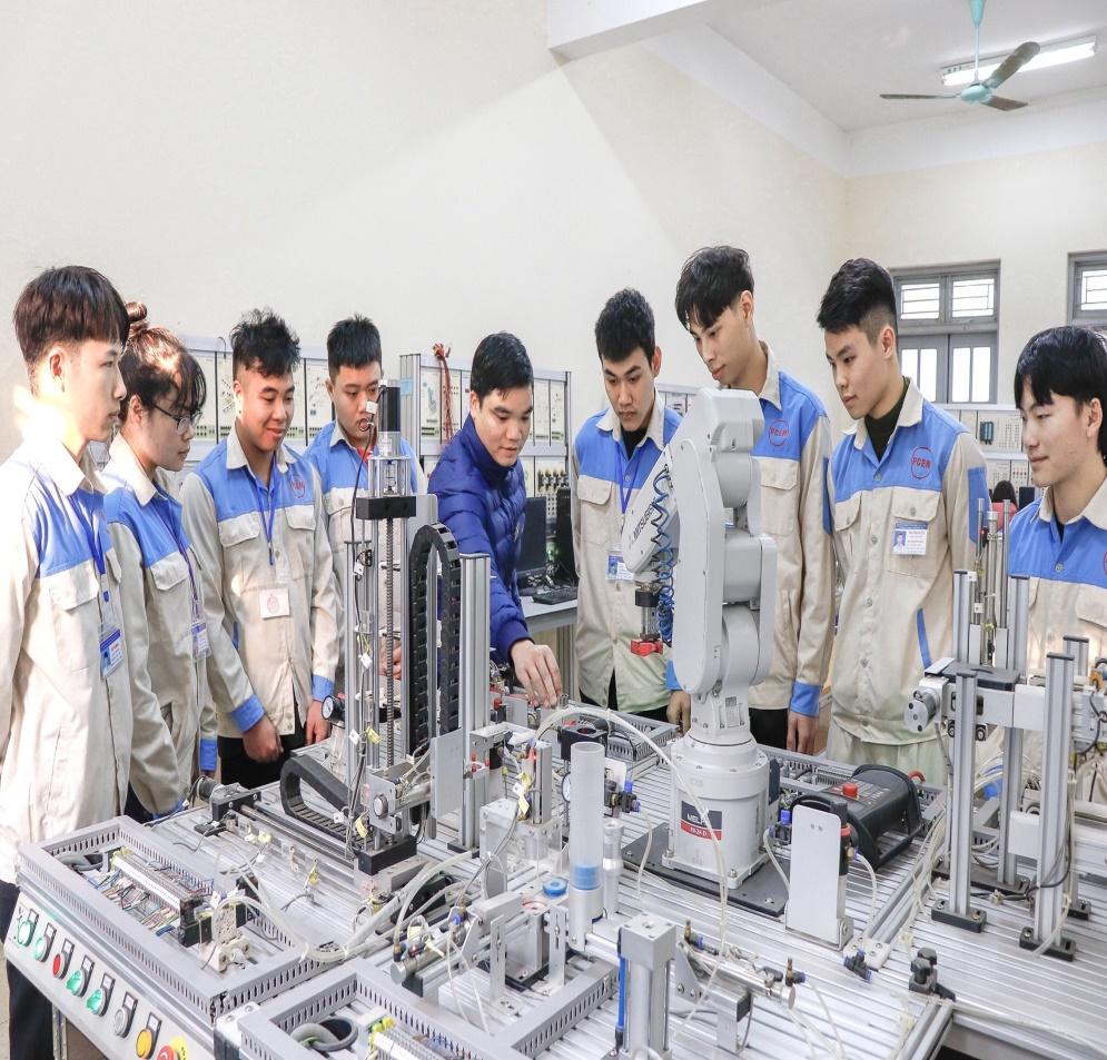 Trường Cao đẳng Cơ điện Phú Thọ tuyển sinh năm 2021 - Ảnh 1.
