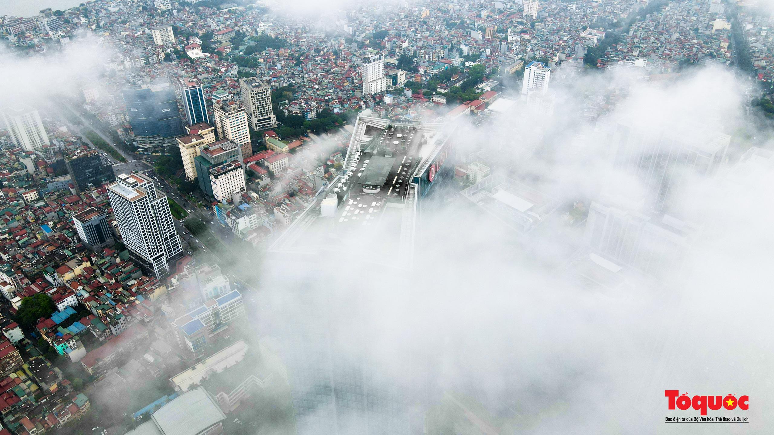 """Có một Hà Nội """"kỳ ảo"""" trong mây - Ảnh 8."""