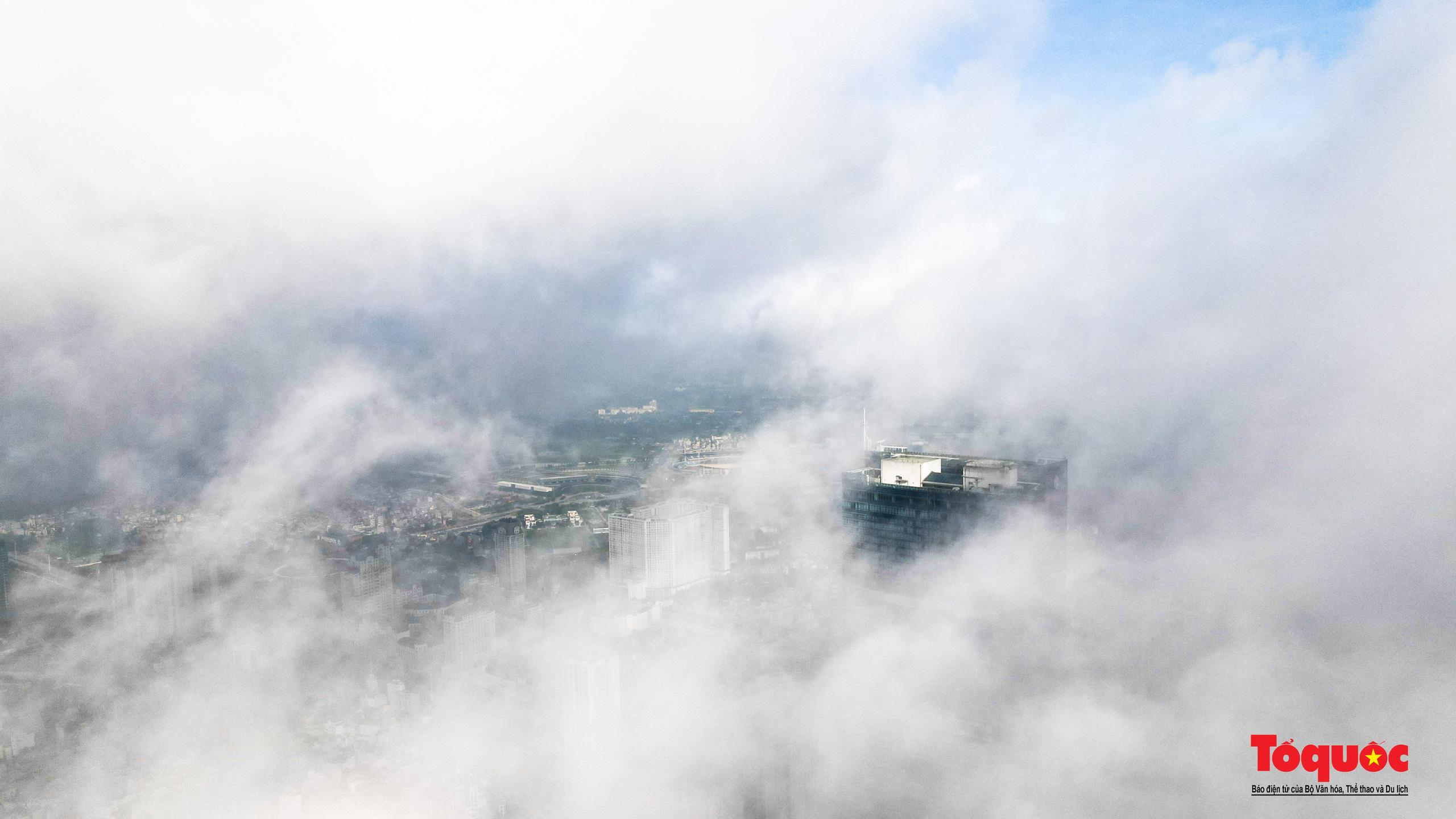 """Có một Hà Nội """"kỳ ảo"""" trong mây - Ảnh 3."""