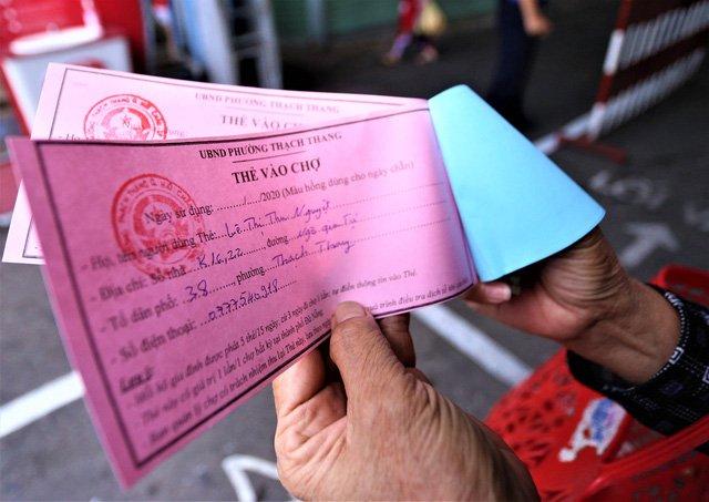 Đà Nẵng thêm 2 ca dương tính SARS-CoV-2, Thừa Thiên Huế lập chốt kiểm soát tăng cường phòng chống dịch - Ảnh 2.