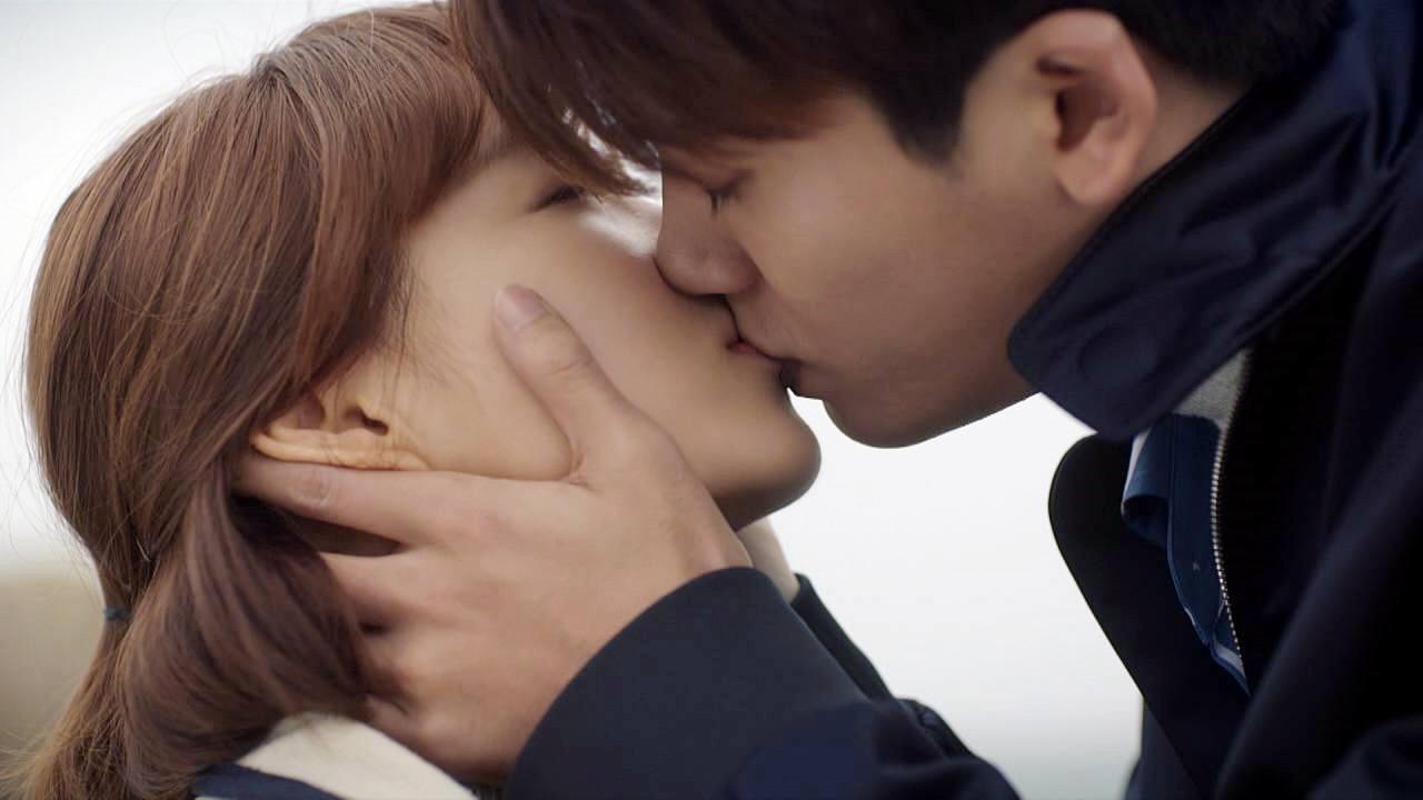 10 cặp đôi màn ảnh được fan phim Hàn kêu gào đòi tái hợp: Số 1 đích thị là IU - Lee Jun Ki rồi! - Ảnh 22.