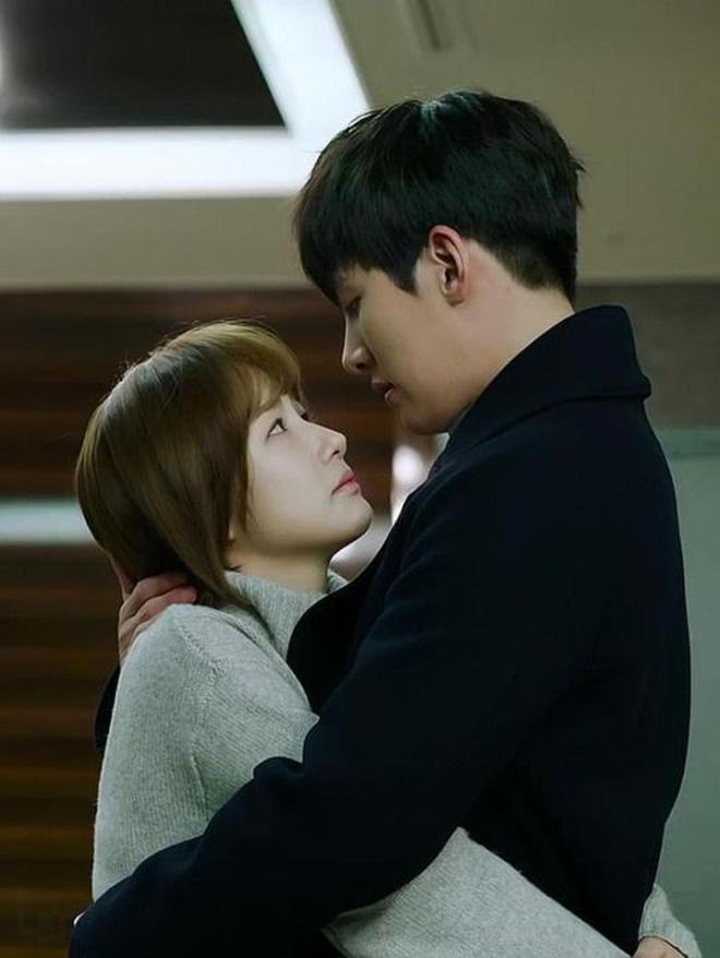 10 cặp đôi màn ảnh được fan phim Hàn kêu gào đòi tái hợp: Số 1 đích thị là IU - Lee Jun Ki rồi! - Ảnh 7.