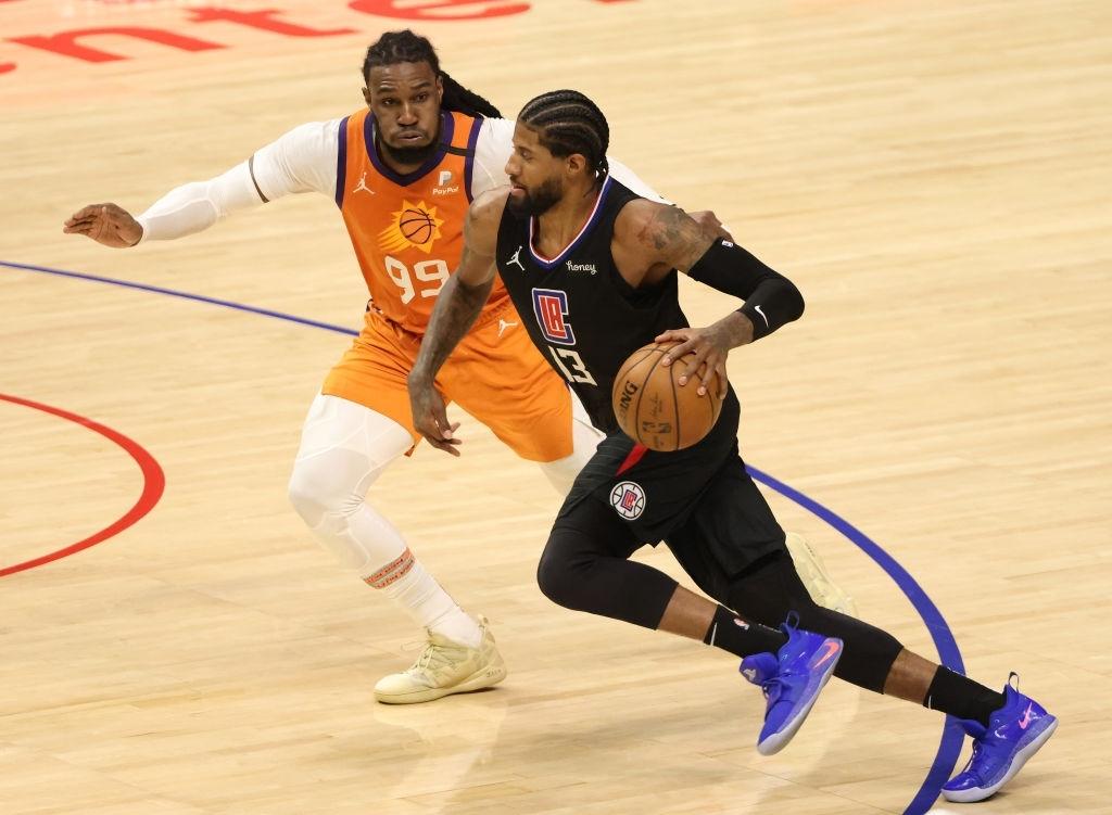 Phoenix Suns hủy diệt Los Angeles Clippers, Chris Paul lần đầu lọt vào NBA Finals ở tuổi 36 - Ảnh 1.