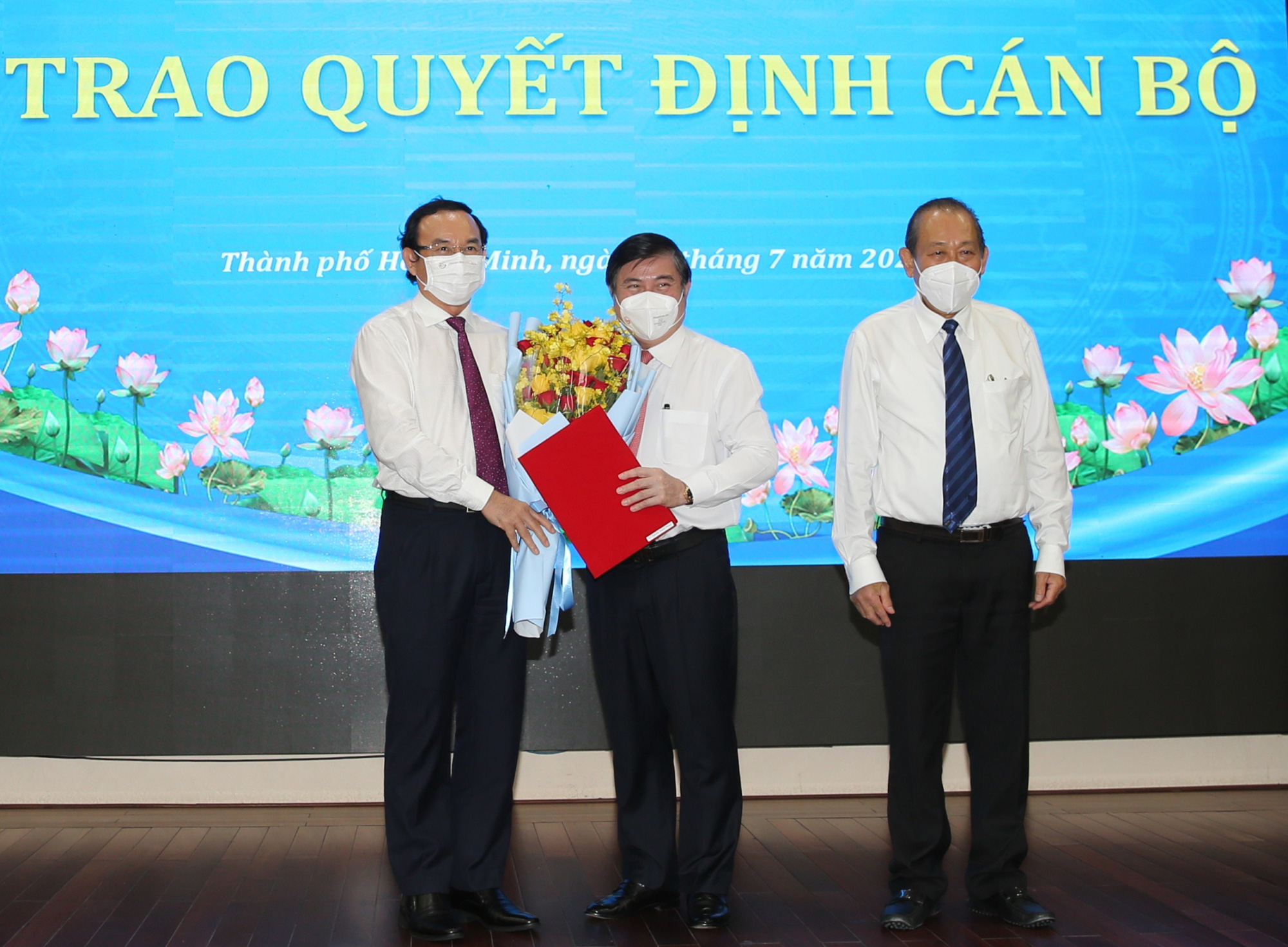 Ông Nguyễn Thành Phong được Thủ tướng phê chuẩn chức vụ Chủ tịch UBND TP.HCM - Ảnh 2.