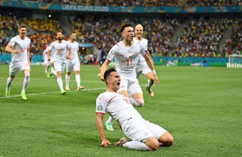 Vladimir Petkovic: Niềm hi vọng của đội tuyển Thụy Sĩ trước Tây Ban Nha - Ảnh 2.