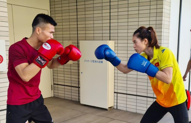VĐV Việt Nam tập luyện từ sáng sớm, hợp với đồ ăn ở Olympic Tokyo - Ảnh 3.