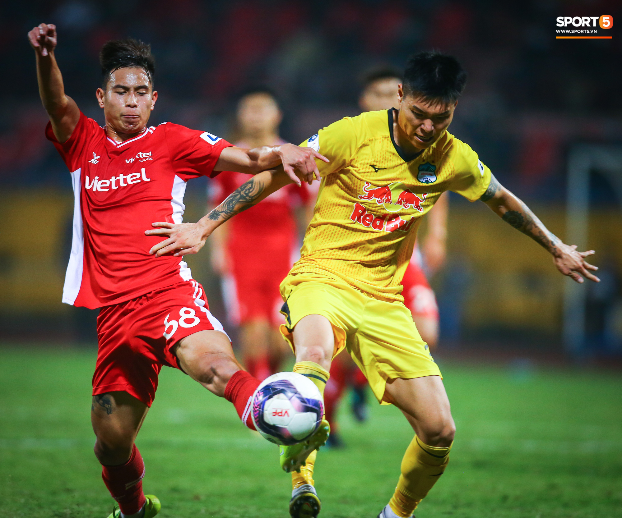 Viettel - HAGL - V.League2021 - Sơn Tùng5.jpg