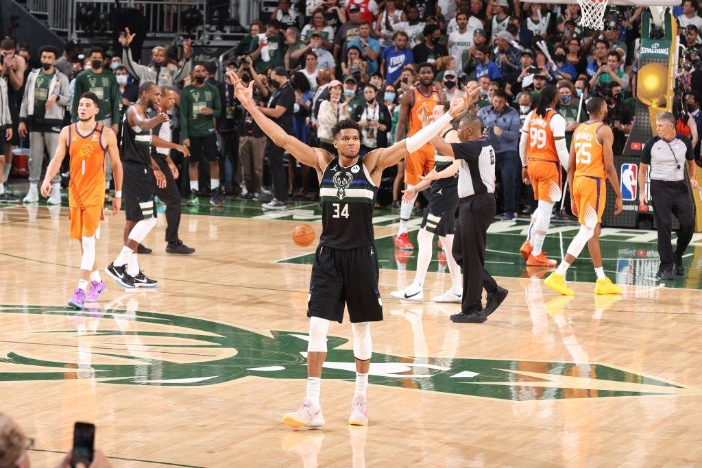 Giannis Antetokounmpo một tay đưa Milwaukee Bucks đến với chức vô địch NBA sau tròn 5 thập kỷ - Ảnh 2.