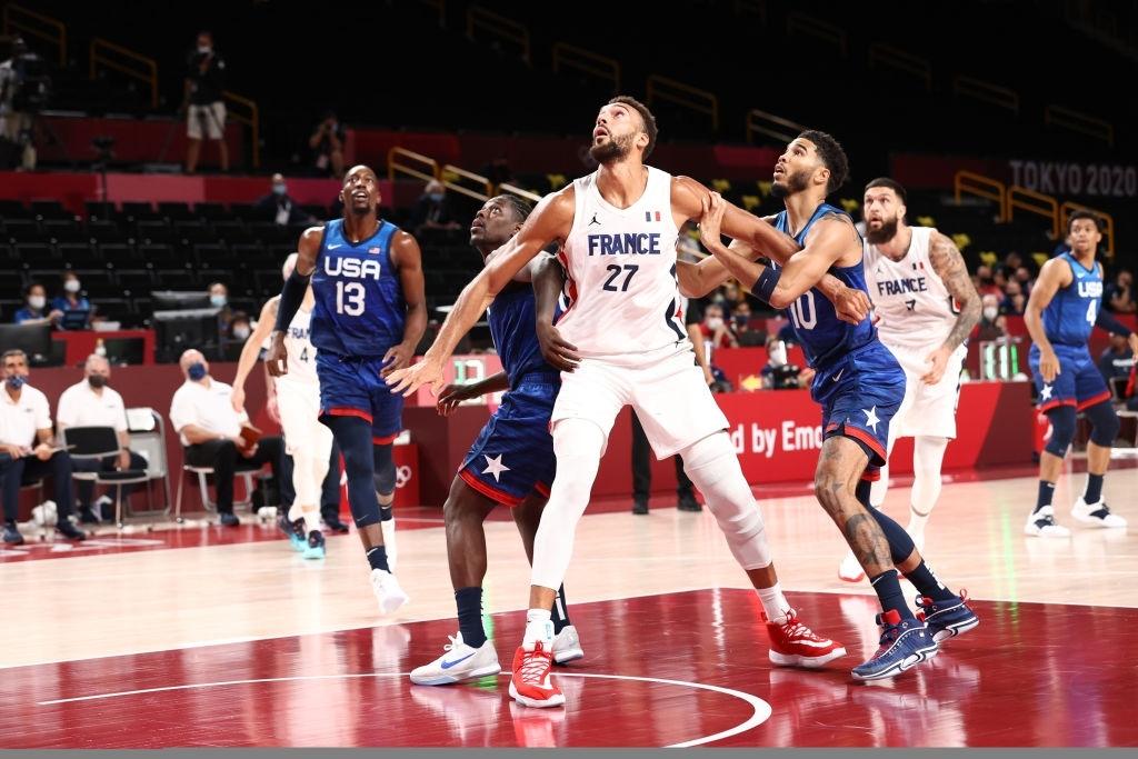 """Kevin Durant """"đi tắm sớm"""", đội tuyển Mỹ thất bại ngay trận mở màn ở Olympic Tokyo 2020 - Ảnh 2."""