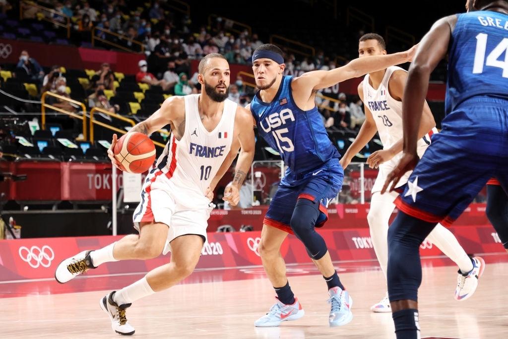 """Kevin Durant """"đi tắm sớm"""", đội tuyển Mỹ thất bại ngay trận mở màn ở Olympic Tokyo 2020 - Ảnh 1."""