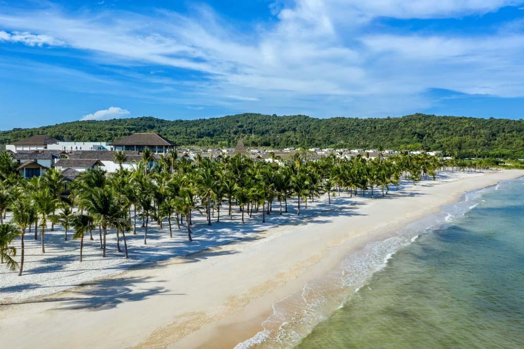 2 khách sạn mới của Sun Group tại Hà Nội và Phú Quốc- nơi vừa lọt top điểm đến tuyệt vời nhất thế giới 2021 - Ảnh 1.