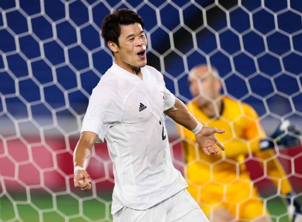 Hiroki Sakai nhân đôi cách biệt cho Nhật Bản ở phút 34
