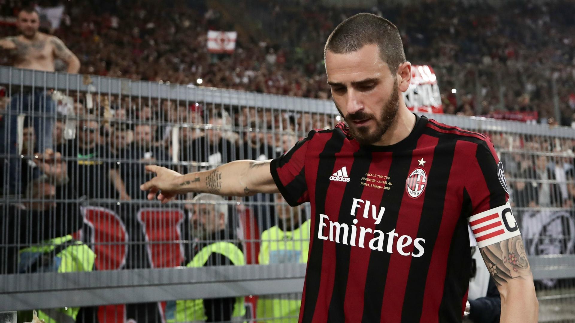 """Tân HLV trưởng Juventus: """"Bonucci thích đeo băng đội trưởng thì tự đi ra đường mà mua!"""" - Ảnh 3."""