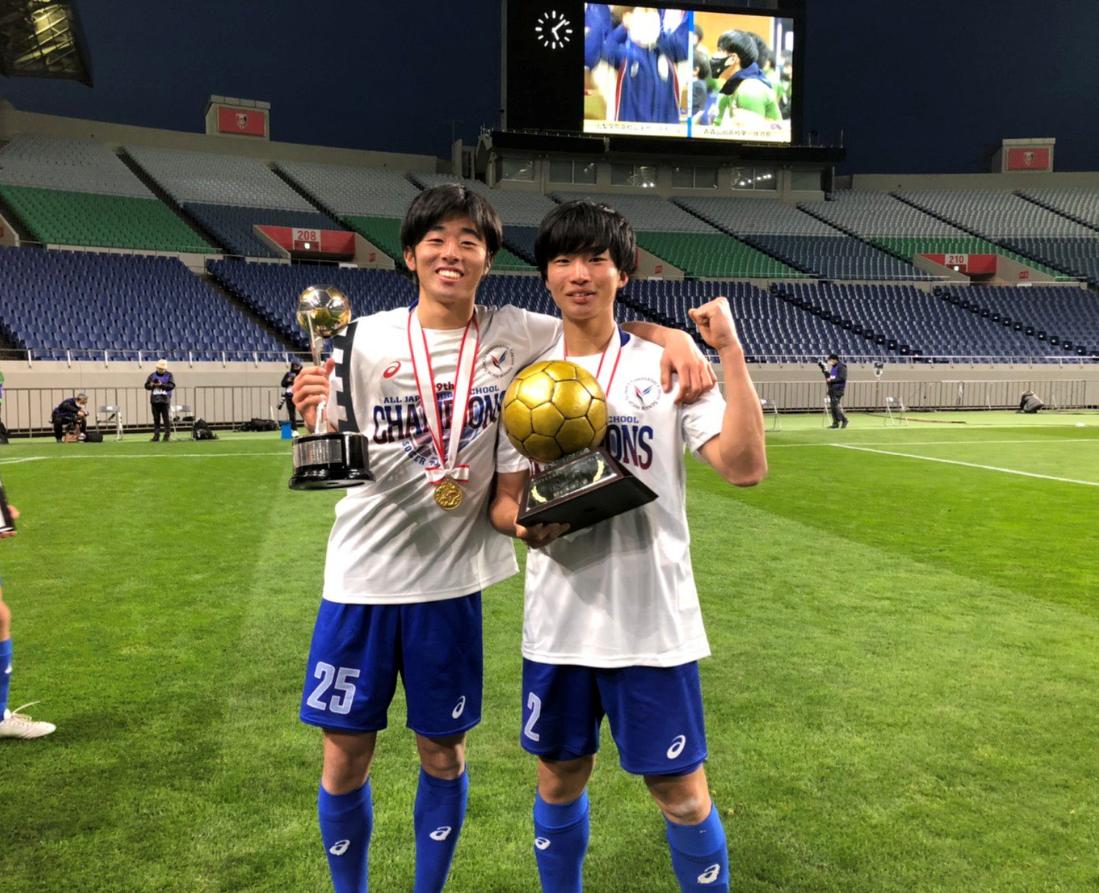 Chỉ bằng 1 lời nói chân thành, Cristiano Ronaldo đã thay đổi số phận của cậu bé Nhật Bản từng bị đám đông chế giễu: Đẳng cấp thực thụ của một ngôi sao lớn! - Ảnh 3.
