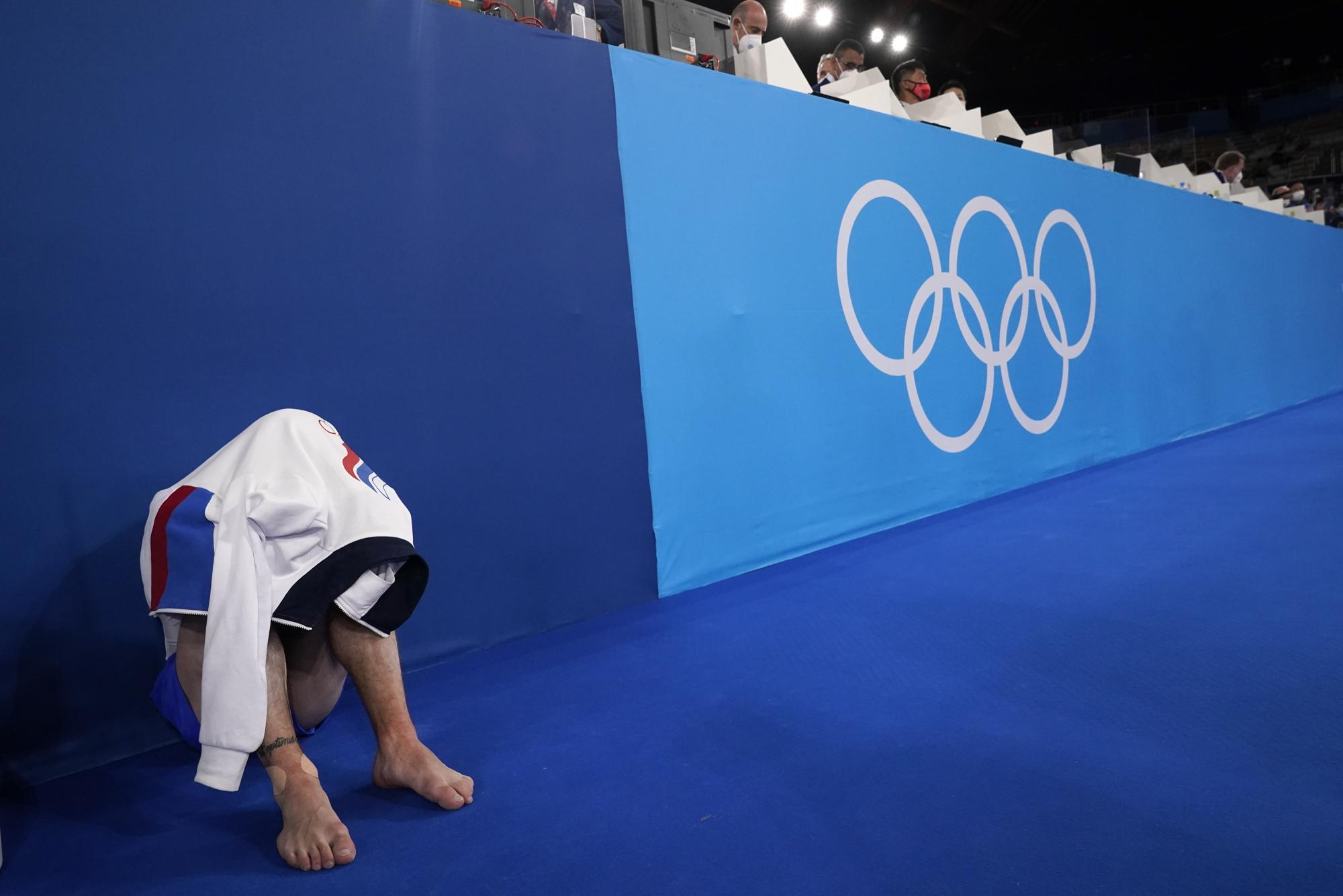 """Những hình ảnh """"trào nước mắt"""" của người chiến thắng, kẻ chiến bại tại Olympic Tokyo 2020 - Ảnh 15."""