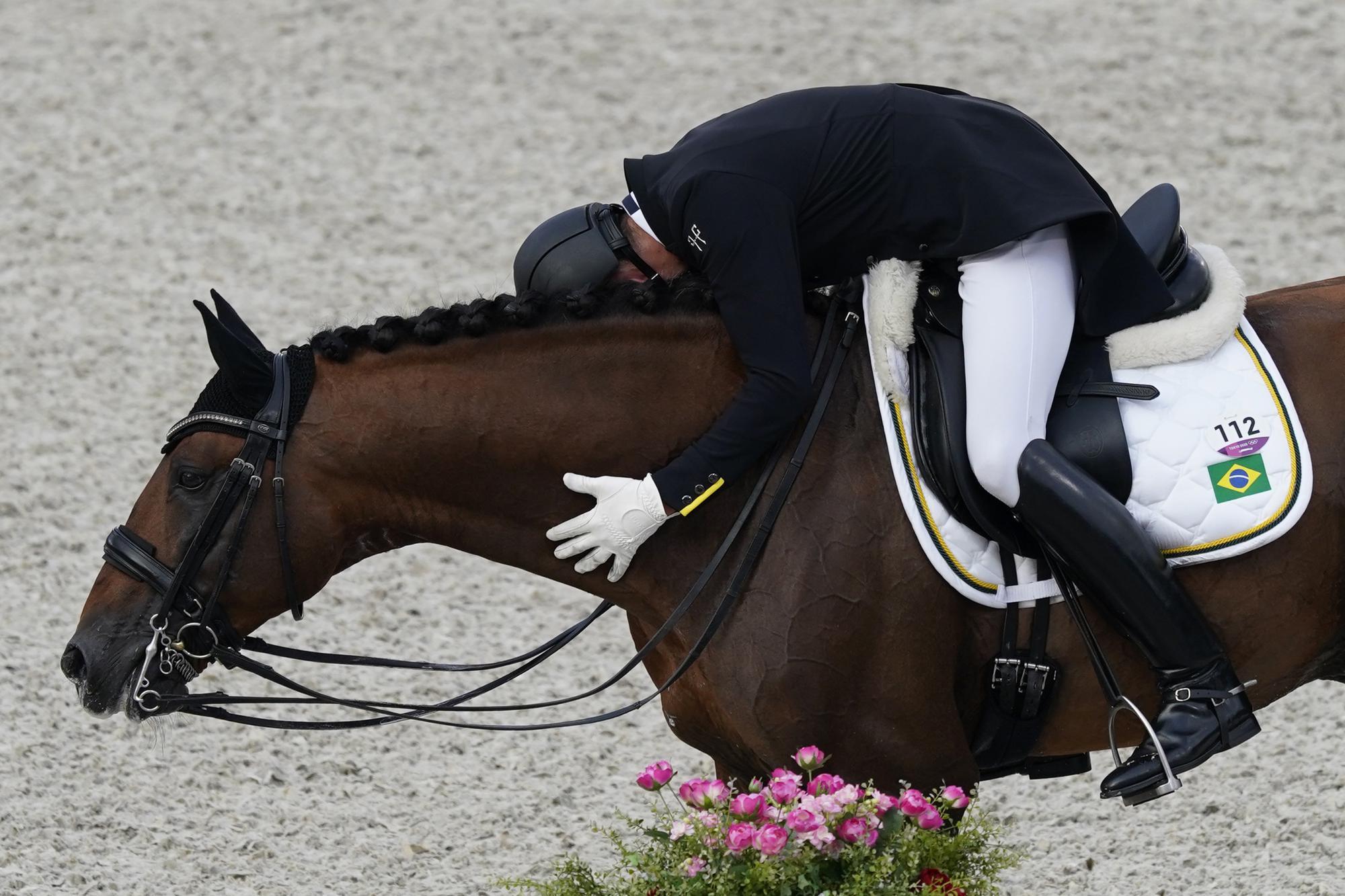"""Những hình ảnh """"trào nước mắt"""" của người chiến thắng, kẻ chiến bại tại Olympic Tokyo 2020 - Ảnh 5."""