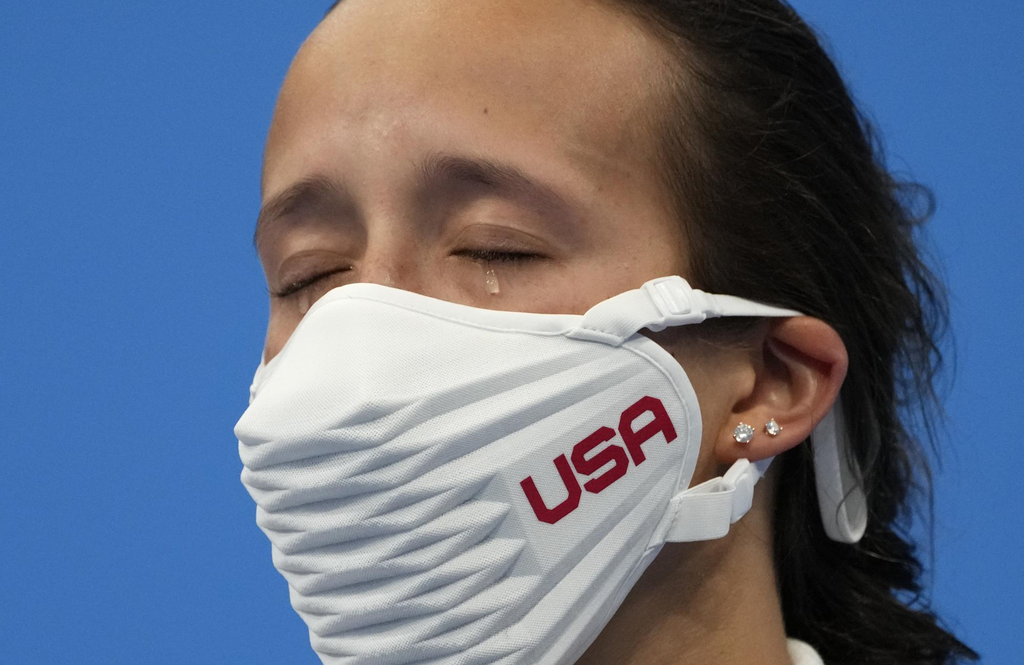 """Những hình ảnh """"trào nước mắt"""" của người chiến thắng, kẻ chiến bại tại Olympic Tokyo 2020 - Ảnh 10."""