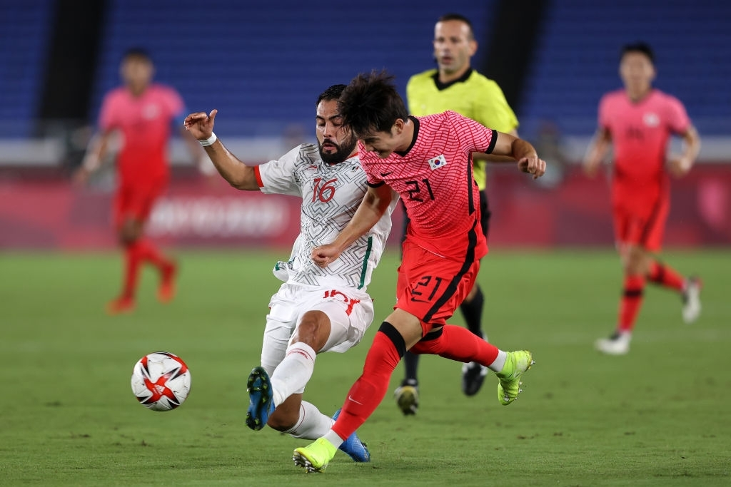 Olympic Hàn Quốc thảm bại 3-6, rơi nước mắt chia tay Thế vận hội Tokyo - Ảnh 5.