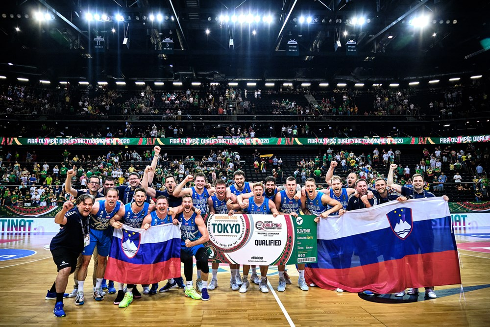 Thiết lập triple-double, Luka Doncic đưa Slovenia đi vào lịch sử - Ảnh 3.