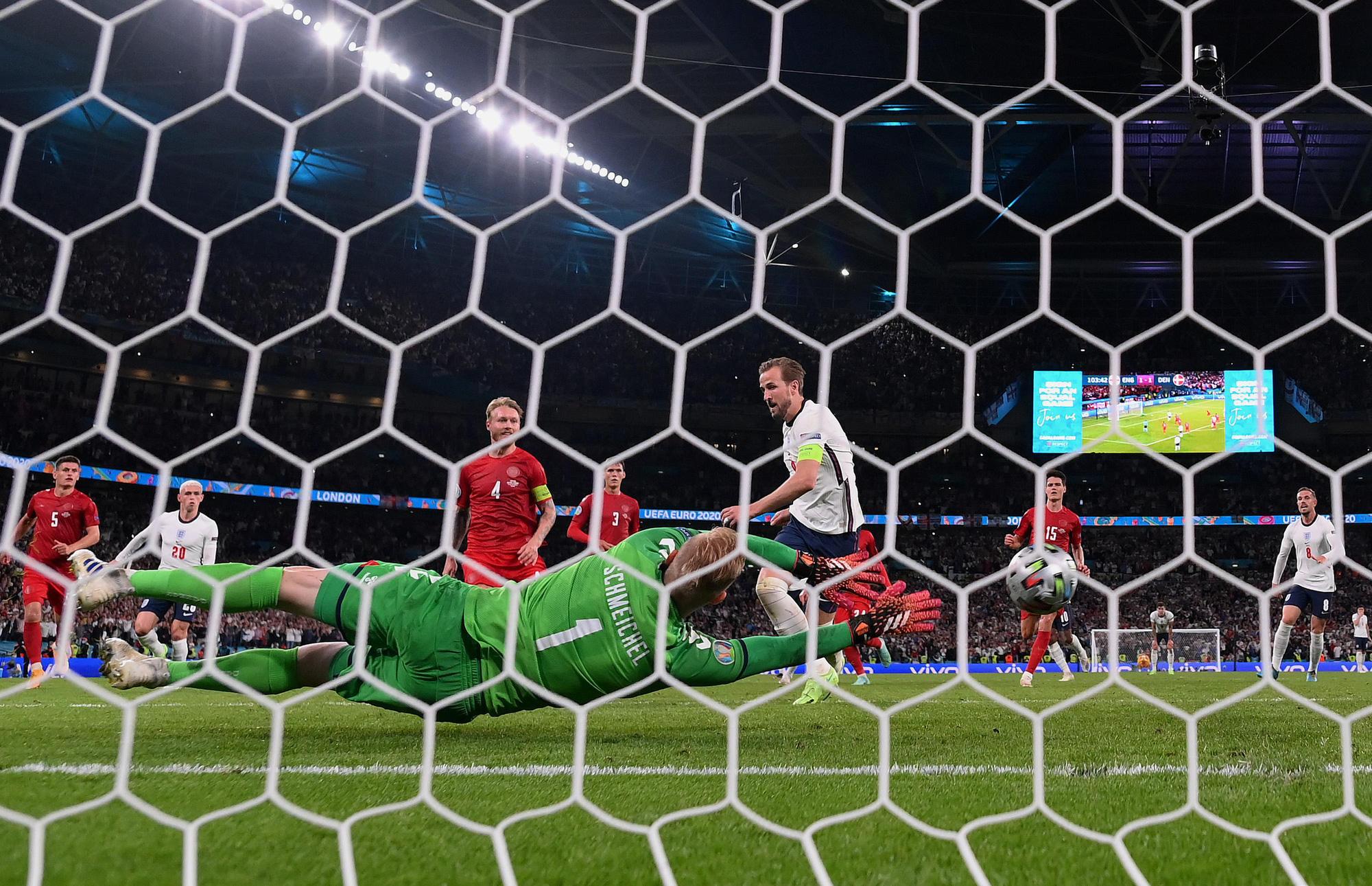 Chấm điểm cầu thủ Anh vs Đan Mạch: Maguire và Sterling tỏa sáng rực rỡ - Ảnh 11.