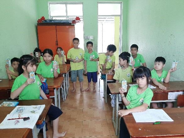 Quỹ sữa Vươn cao Việt Nam mang lại nụ cười hạnh phúc cho trẻ thơ trong mùa dịch - Ảnh 5.